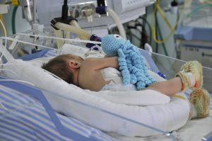 UTI Neo da Santa Casa de Piracicaba desenvolve ações no mês da prematuridade